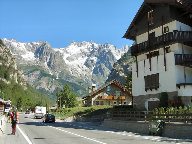 Starting off from Courmayeur